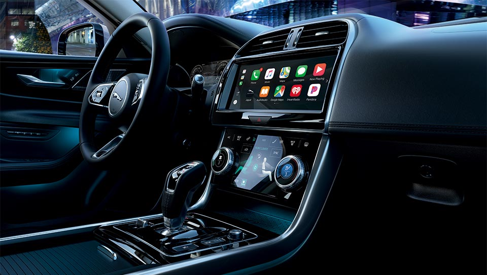 New Jaguar XE Infotainment - Apple CarPlay