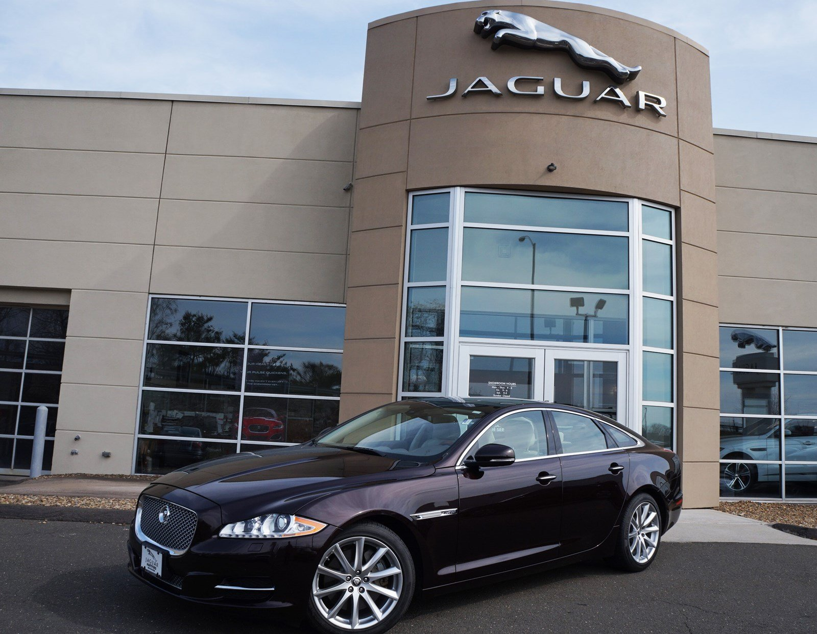 2013 Jaguar XJ 4DR SDN AWD Sedan
