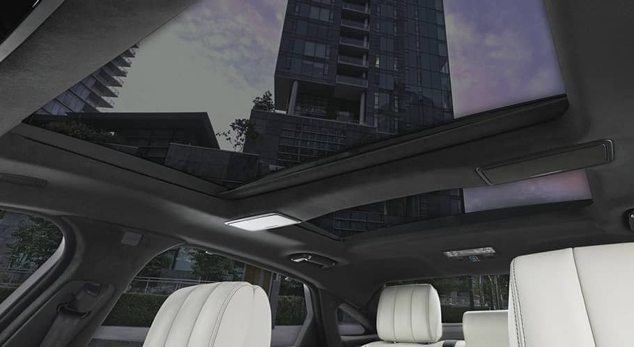 2018 Jaguar XJ panoramic roof