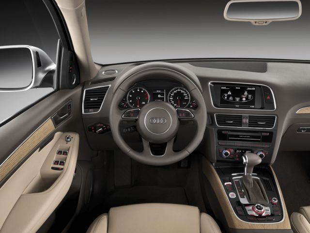 inside the 2016 Audi Q5 interior