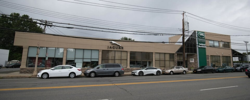 Exterior view of Jaguar Larchmont/New Rochelle during the day