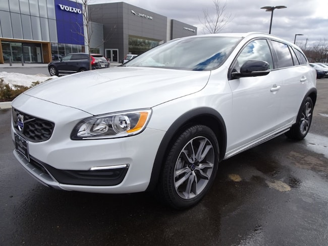 used 2018 Volvo V60 Cross Country T5 Premier Wagon in madison wi