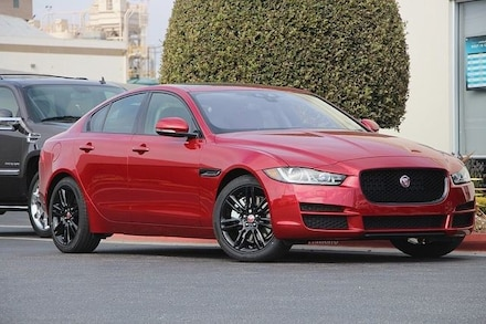 2017 Jaguar XE Prestige Sedan