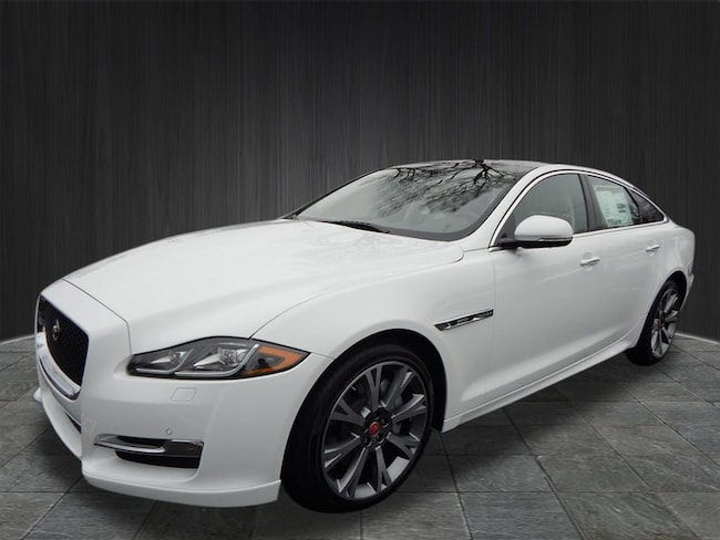 New 2019 Jaguar XJ R-Sport Sedan Near Nashville