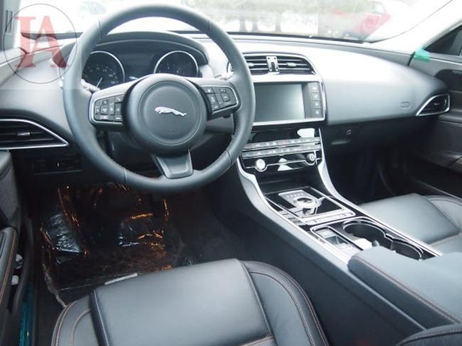 2017 jaguar xe 20d prestige joliet chicago tinley park il. Black Bedroom Furniture Sets. Home Design Ideas