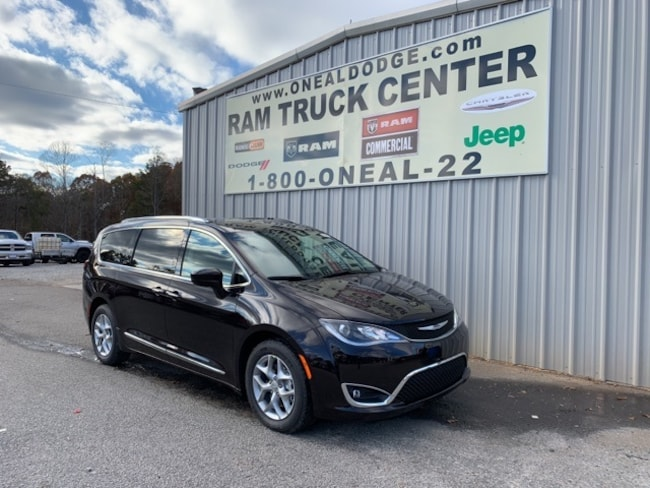 New 2019 Chrysler Pacifica TOURING L PLUS Passenger Van in Bremen