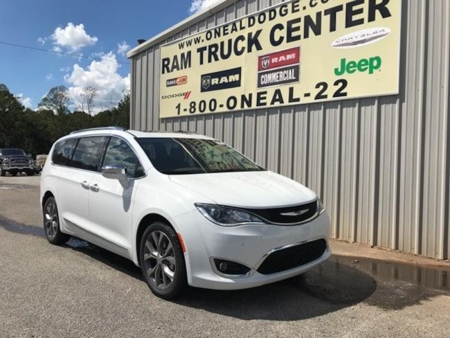 New 2019 Chrysler Pacifica LIMITED Passenger Van in Bremen