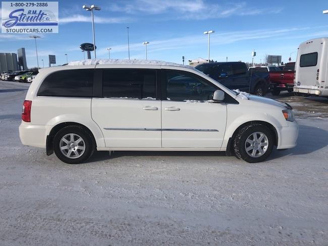 2012 Chrysler Town & Country Touring Minivan/Van L2636B