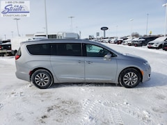 2019 Chrysler Pacifica TOURING L PLUS Passenger Van J4197