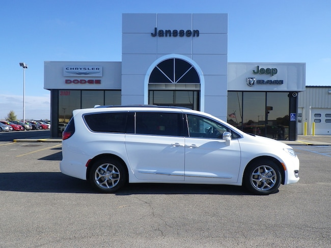 New 2018 Chrysler Pacifica Limited Passenger Van for-sale-in-North-Platte