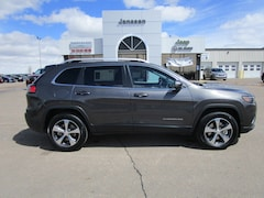 New 2019 Jeep Cherokee LIMITED 4X4 Sport Utility 1C4PJMDX6KD419038 in-North-Platte-NE