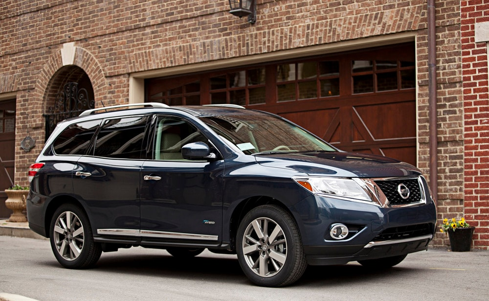 2014 Nissan Pathfinder Hybrid Provides 26 Mpg And Space