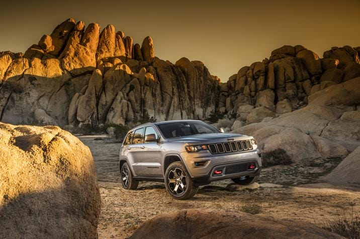 2017 Jeep Grand Cherokee Trailhawk Side Exterior