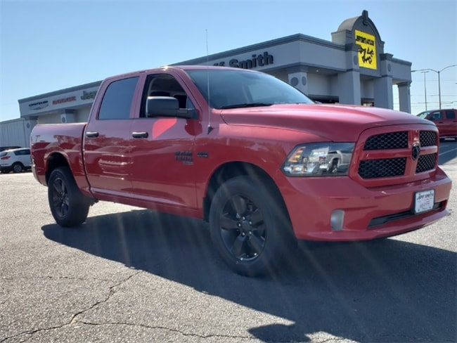 New 2019 Ram 1500 CLASSIC EXPRESS CREW CAB 4X4 5'7 BOX Crew Cab in Perry, GA