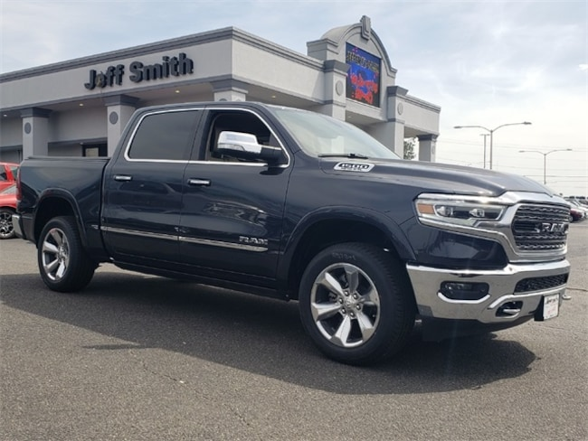 New 2019 Ram 1500 LIMITED CREW CAB 4X2 5'7 BOX Crew Cab in Perry, GA