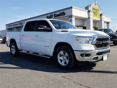 New 2019 Ram 1500 BIG HORN / LONE STAR CREW CAB 4X4 5'7 BOX Crew Cab in Perry GA