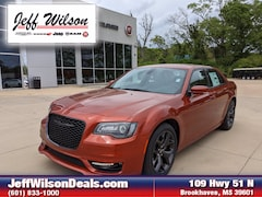 2021 Chrysler 300 TOURING L Sedan