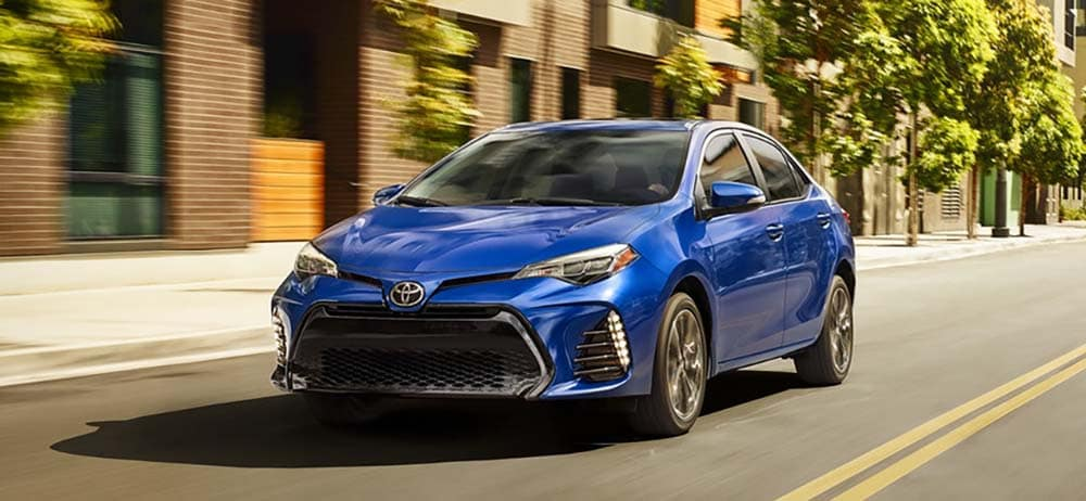 2019 Toyota Corolla Vs 2018 Toyota Camry What S The Difference