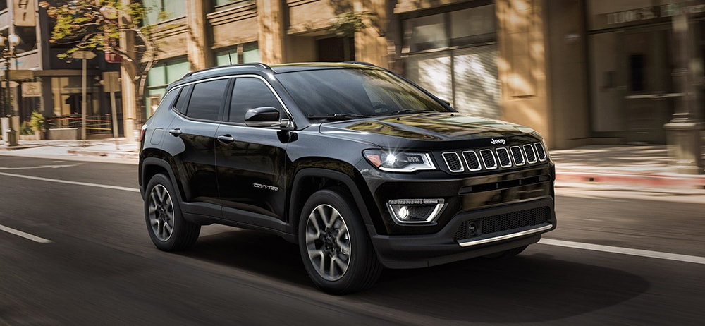 Jeep Compass Vs Jeep Cherokee >> 2018 Jeep Cherokee Vs 2018 Jeep Compass What S The Difference
