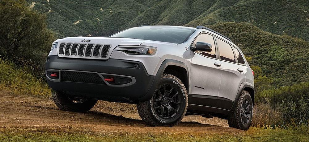 Jeff Wyler Eastgate >> 2019 Chevrolet Equinox vs 2019 Jeep Cherokee | Which is ...