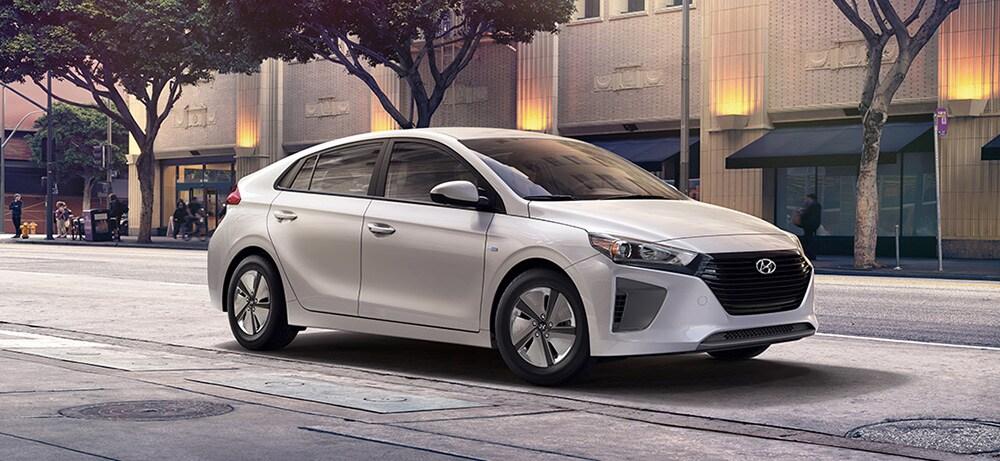 Jeff Wyler Kia >> 2019 Kia Niro vs 2019 Hyundai Ioniq Hybrid | What's the Difference? | Jeff Wyler Kia