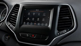 Uconnect® 4 with 7-Inch Touchscreen