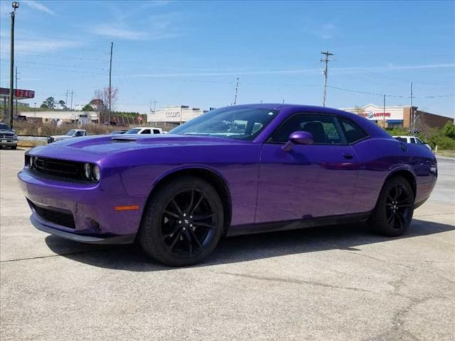Used 2018 Dodge Challenger SXT Coupe near Chattanooga