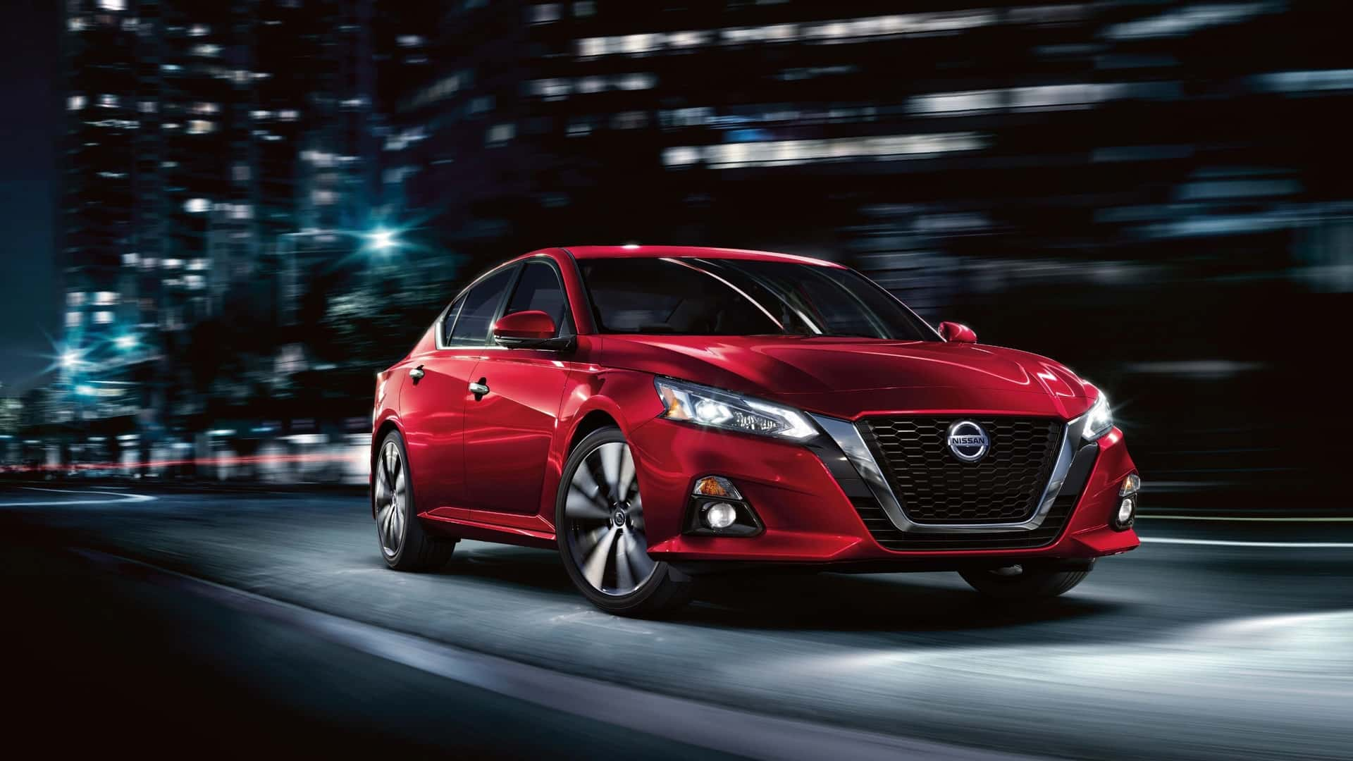 Explore the 2020 Nissan Altima near DeLand FL
