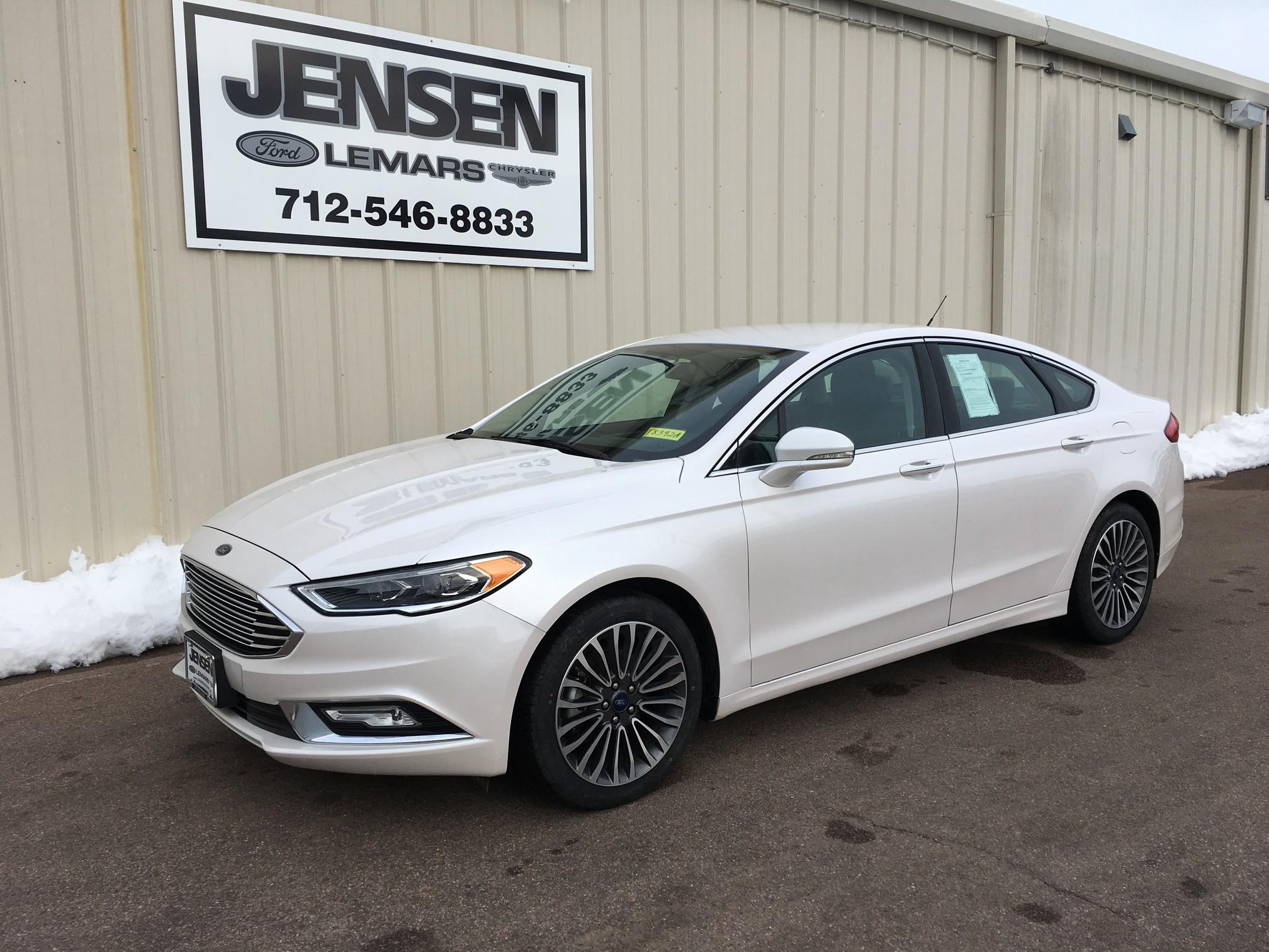 2017 Ford Fusion SE Car