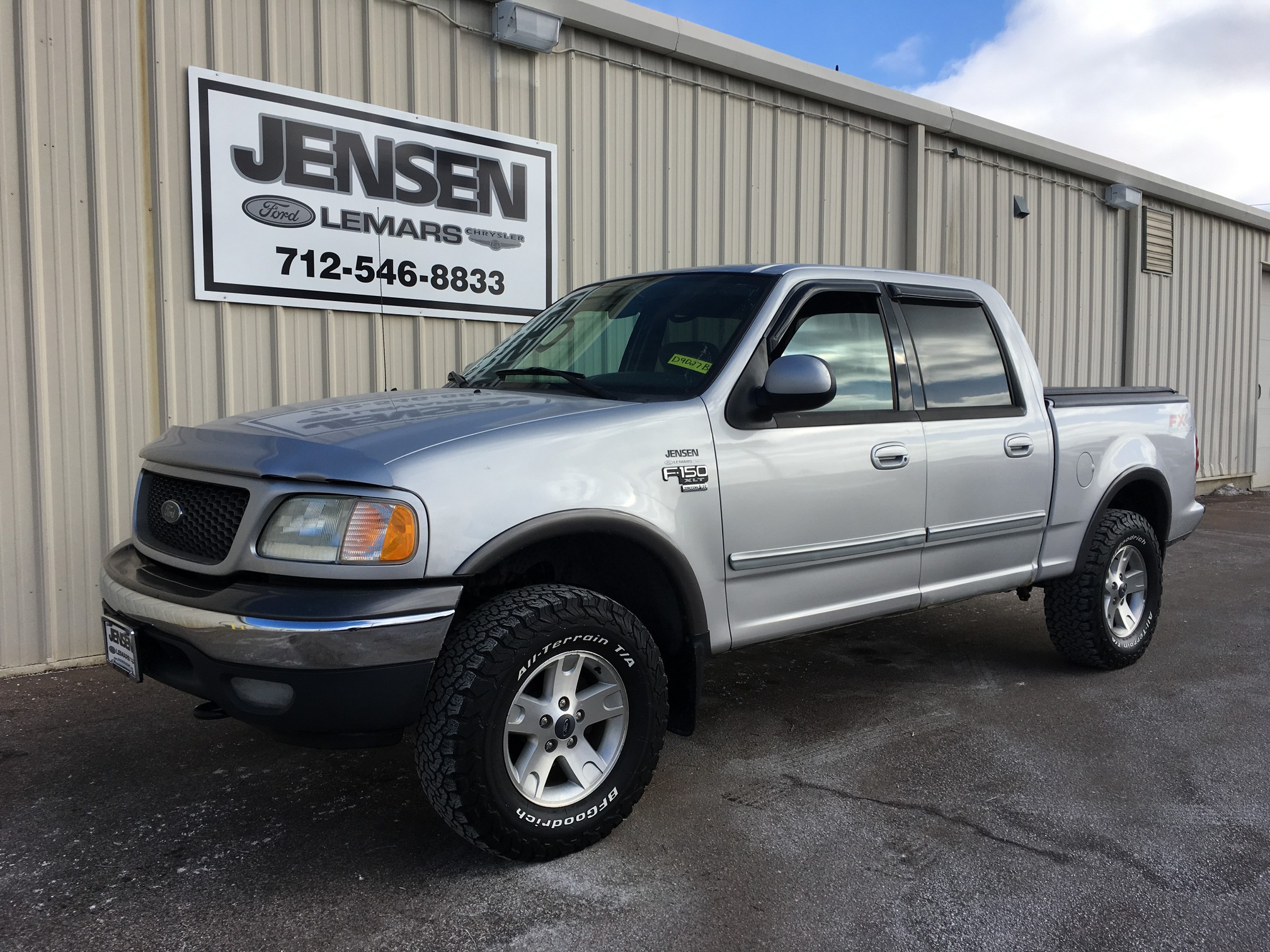 2003 Ford F-150 SuperCrew XLT Truck