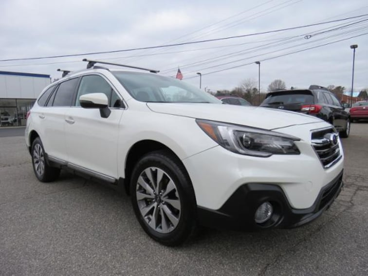 Used 2018 Subaru Outback 2.5i Touring SUV 4S4BSATC6J3279304 in Hickory, NC