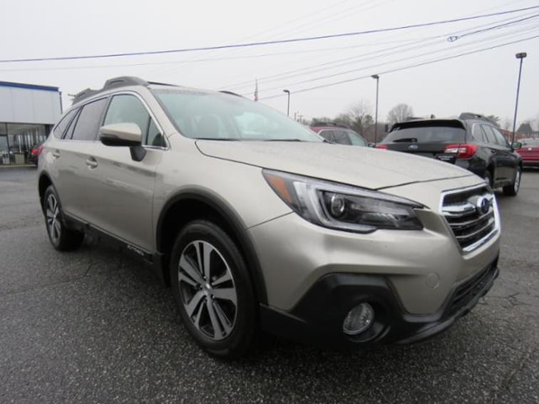 Used 2018 Subaru Outback 2.5i Limited SUV 4S4BSANC7J3214782 in Hickory, NC