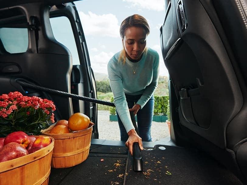 2022 Chrysler Pacifica built-in vacuum cleaner