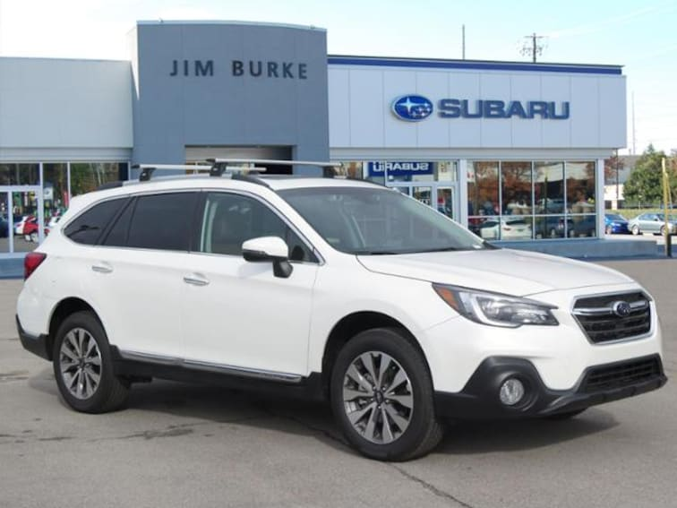 2019 Subaru Outback 2.5i Touring SUV 4S4BSATC8K3221096