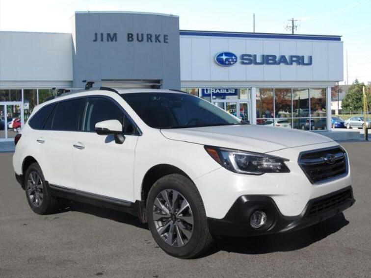2019 Subaru Outback 2.5i Touring SUV 4S4BSATC6K3247616