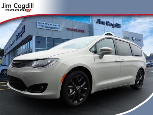 New 2019 Chrysler Pacifica LIMITED Passenger Van for sale in Knoxville, TN at Jim Cogdill Dodge Chrysler Jeep Ram