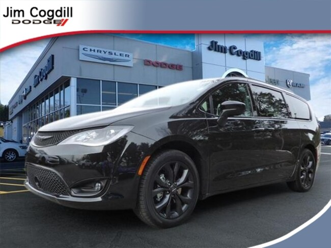 New 2019 Chrysler Pacifica TOURING L Passenger Van for sale in Knoxville, TN at Jim Cogdill Dodge Chrysler Jeep Ram