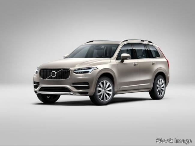New 2019 Volvo XC90 T5 Momentum SUV in Portland, OR
