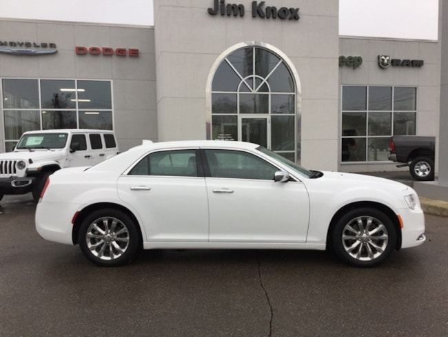 Used 2018 Chrysler 300 Limited Sedan for Sale in Hillsdale, MI
