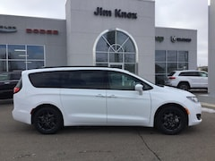 New 2019 Chrysler Pacifica TOURING L PLUS Passenger Van for Sale in Hillsdale, MI