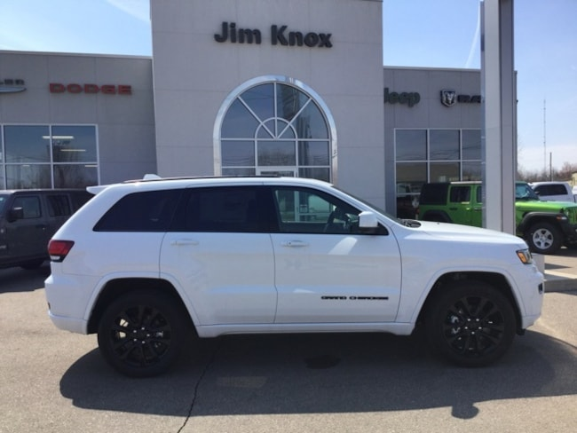 New 2019 Jeep Grand Cherokee ALTITUDE 4X4 Sport Utility for Sale in Hillsdale, MI