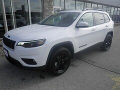 New 2019 Jeep Cherokee ALTITUDE 4X4 Sport Utility for sale in Sturgeon Bay, WI