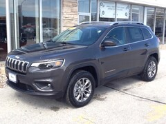 New 2019 Jeep Cherokee LATITUDE PLUS 4X4 Sport Utility for sale in Sturgeon Bay, WI