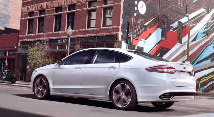 Ford Dealers Around Louisville to Sell the 2017 Fusion
