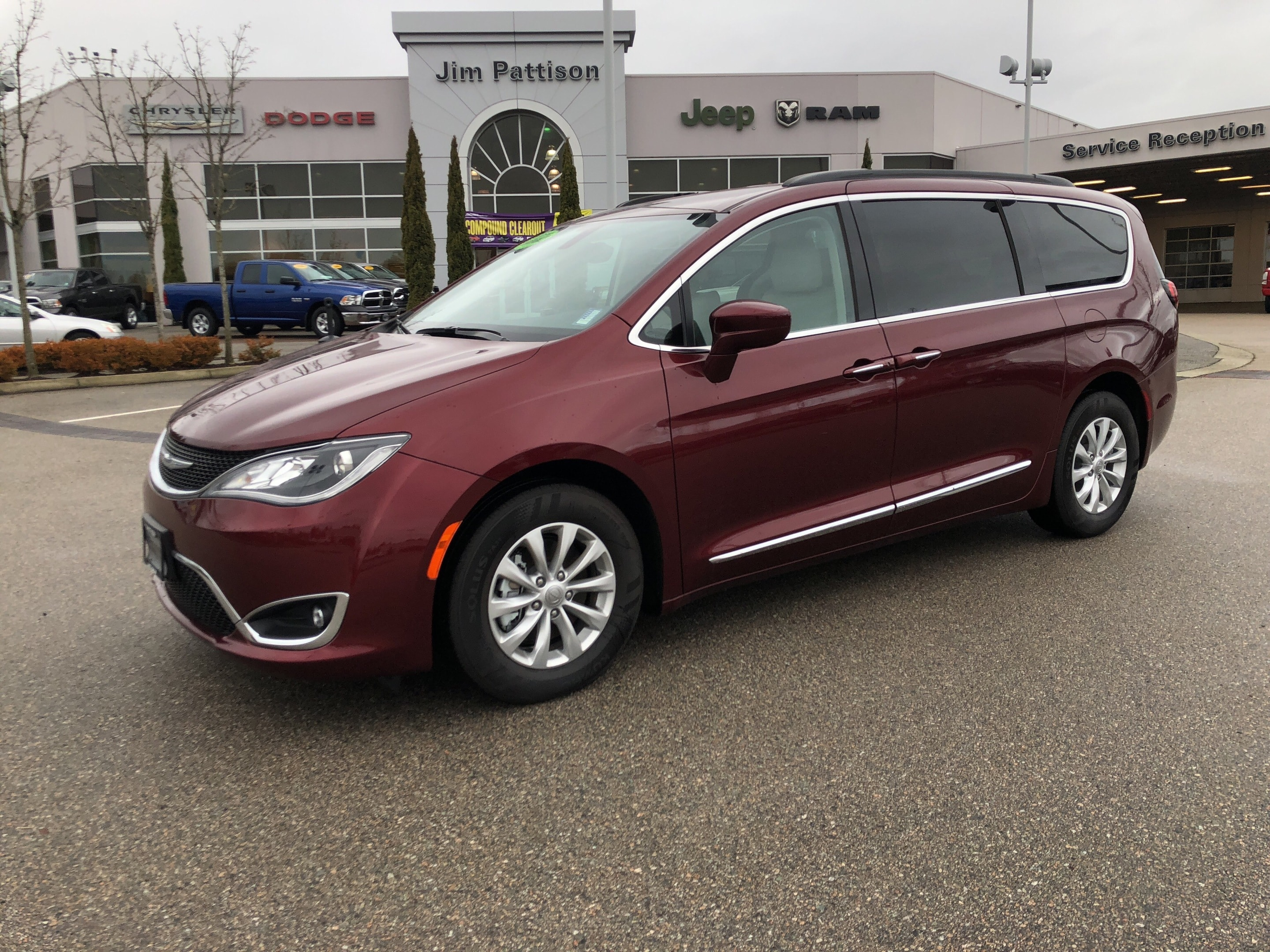 2017 Chrysler Pacifica Touring-L,Clearance ! Mini-van Passenger