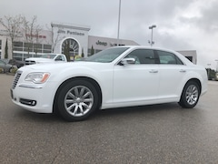 2013 Chrysler 300 300C,Fully equipped with Navigation Car