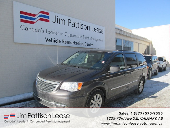 2015 Chrysler Town & Country 3.6L Touring Ed. w/ B.U. Camera & Bluetooth Van Passenger Van