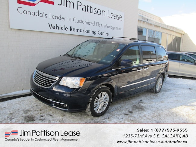 2016 Chrysler Town & Country 3.6L FWD LOADED Limited Ed. w/NAV! & Bluetooth Van