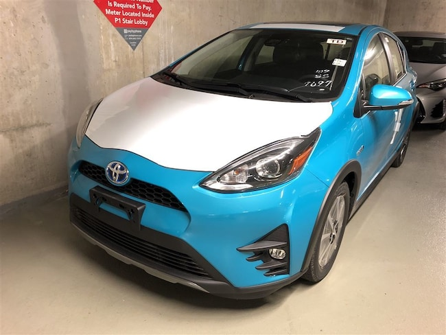 2018 Toyota Prius c Technology with Premium Paint Hatchback