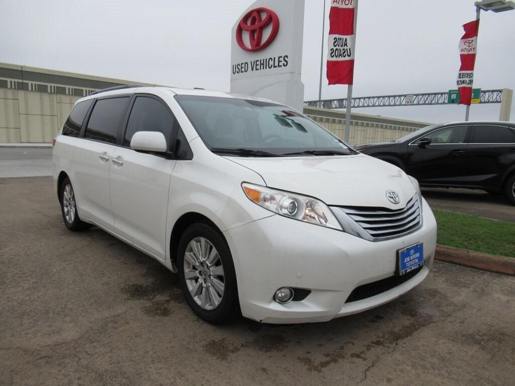 2011 Toyota Sienna Limited Minivan/Van